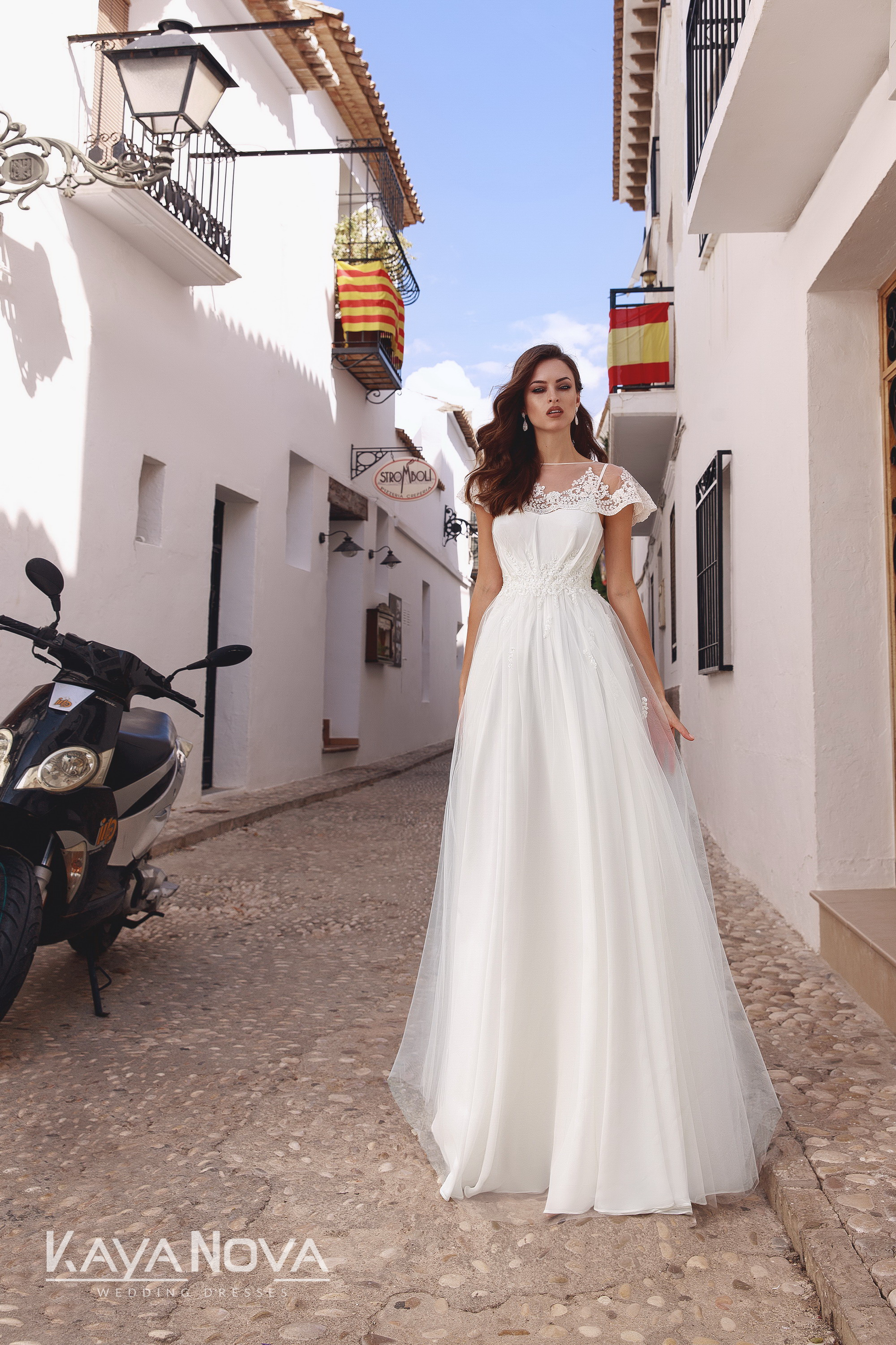 https://kayawedding.com/images/stories/virtuemart/product/Adelain dress 1.jpg